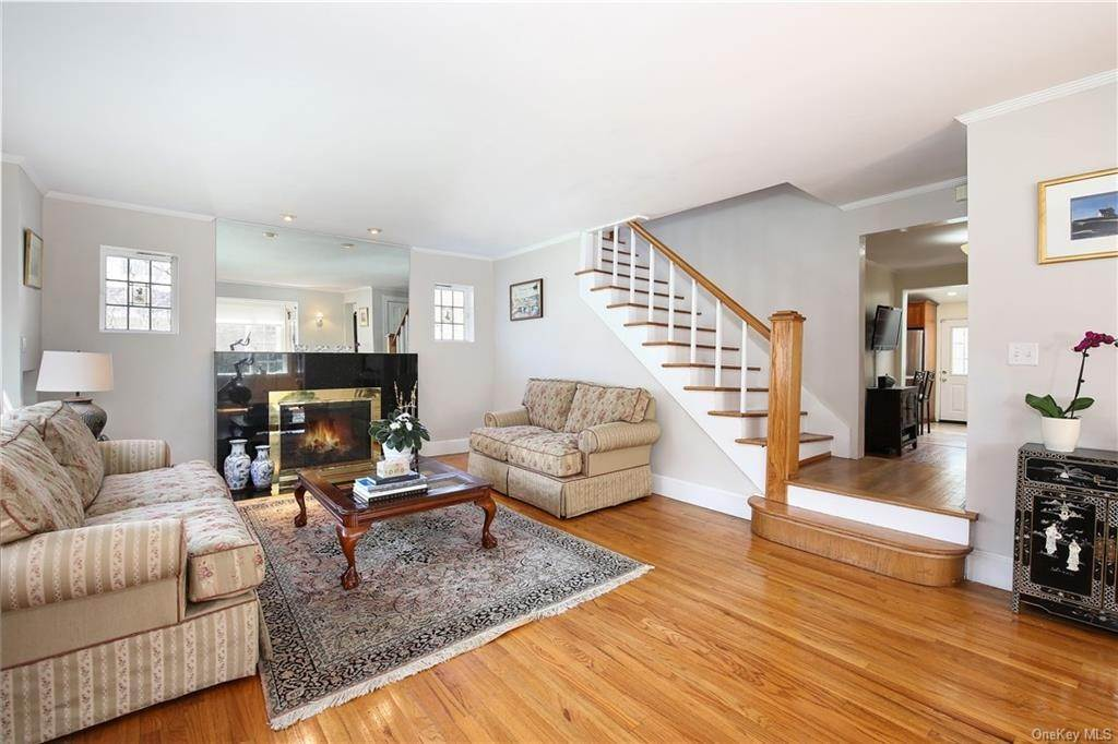 4. Single Family Home por un Venta en 31 Rugby Lane Scarsdale, Nueva York, 10583 Estados Unidos