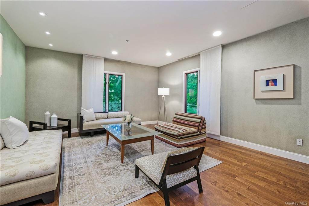 4. Rental Communities for Rent at 190 Fort Hill Road Scarsdale, New York, 10583 United States