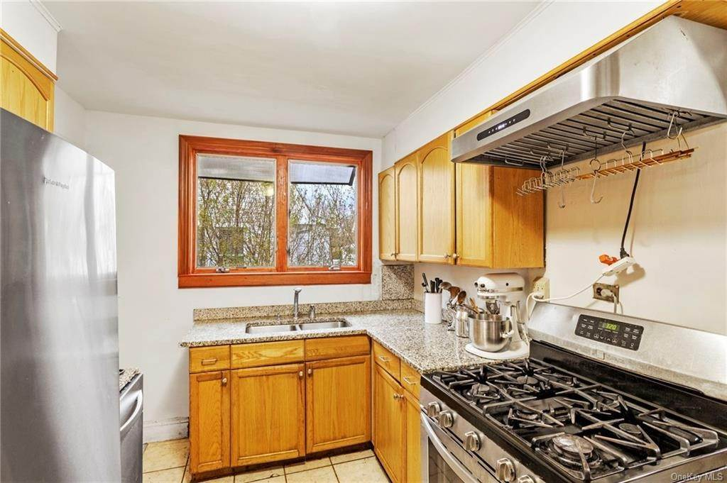 4. Single Family Home for Sale at 89 Smith Avenue White Plains, New York, 10605 United States