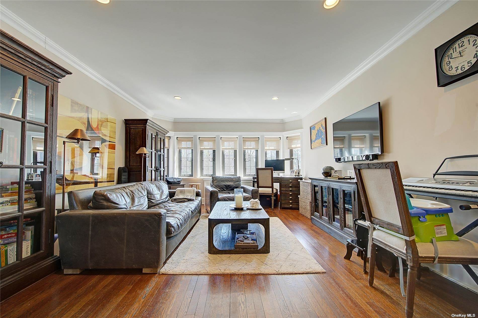 4. Single Family Home for Sale at 6 Davis Avenue Rye, New York, 10580 United States
