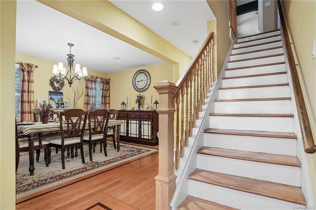 4. Single Family Home for Sale at 20 Deerfield Avenue Eastchester, New York, 10709 United States