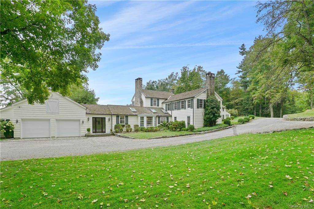 4. Single Family Home for Sale at 14 Middle Patent Road Armonk, New York, 10504 United States
