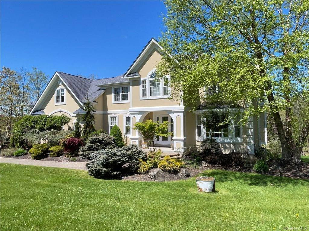 4. Single Family Home pour l Vente à 7 Country Woods Drive Chester, New York, 10918 États-Unis