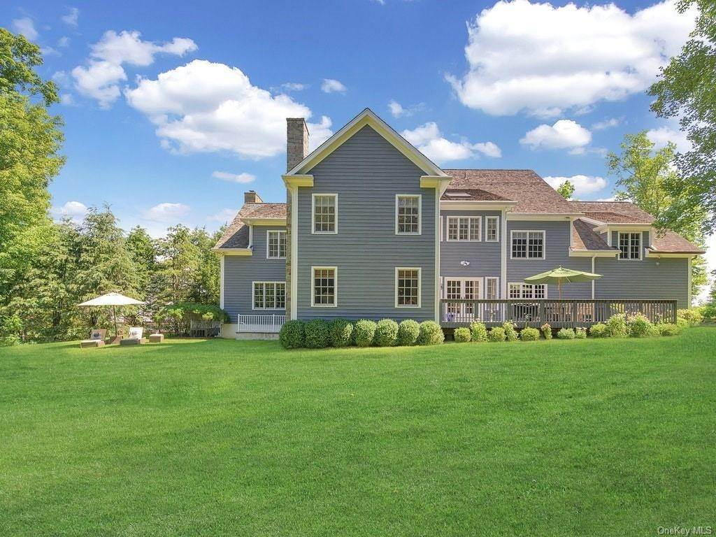 4. Single Family Home for Sale at 4 Thornbrook Lane Bedford, New York, 10506 United States