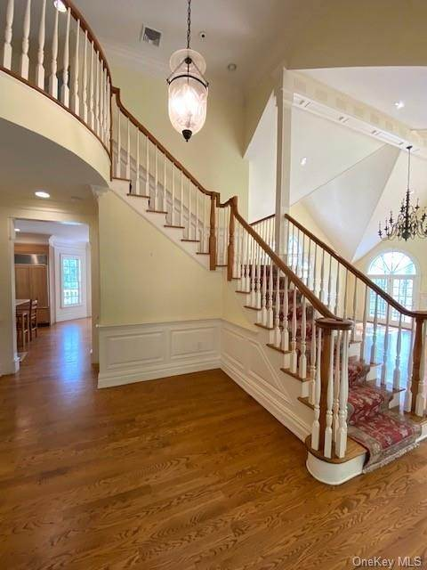 4. Single Family Home for Sale at 5 Lookout Stable Road Tuxedo Park, New York, 10987 United States
