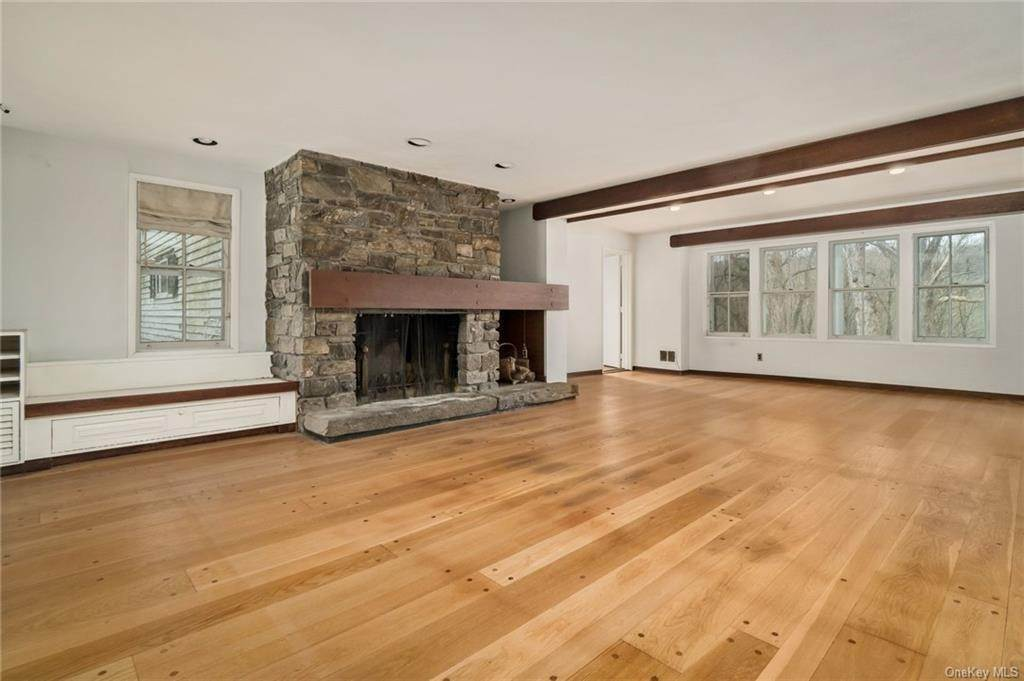 4. Single Family Home for Sale at 233 Long Ridge Road Bedford, New York, 10506 United States