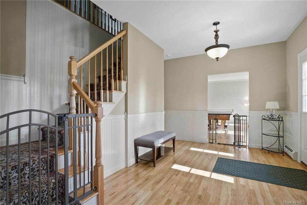 5. Single Family Home for Sale at 19 Coleman Drive Campbell Hall, New York, 10916 United States
