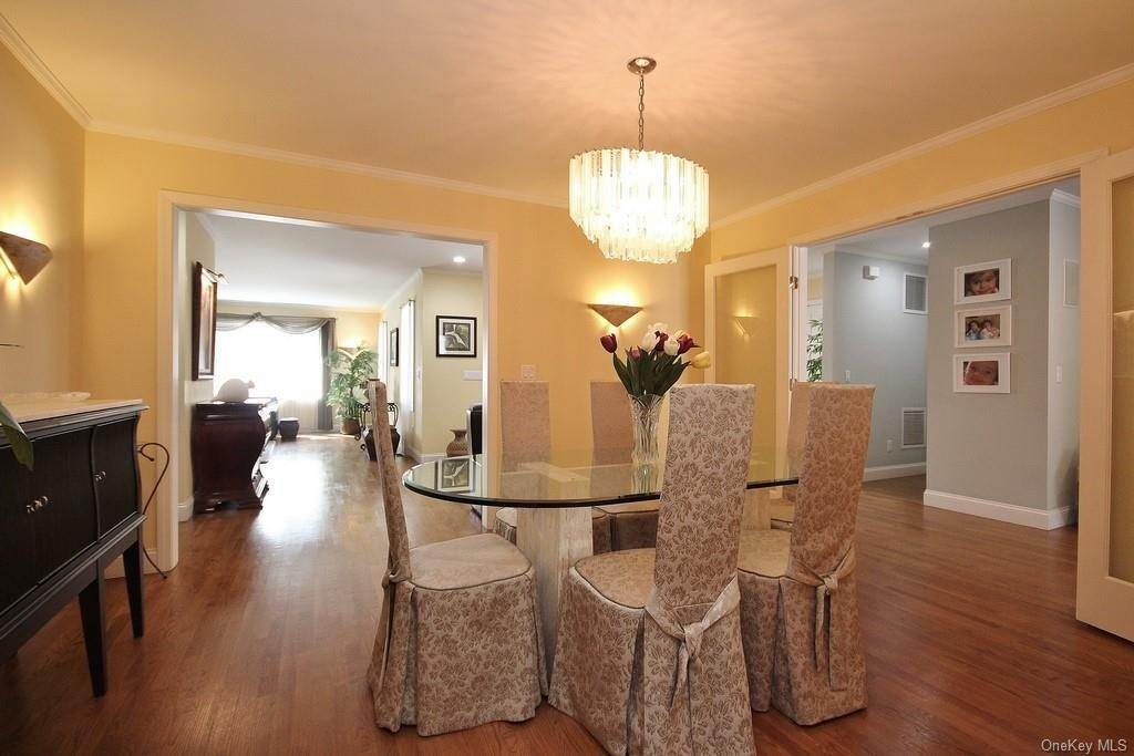 5. Single Family Home for Sale at 151 Revolutionary Road Briarcliff Manor, New York, 10510 United States