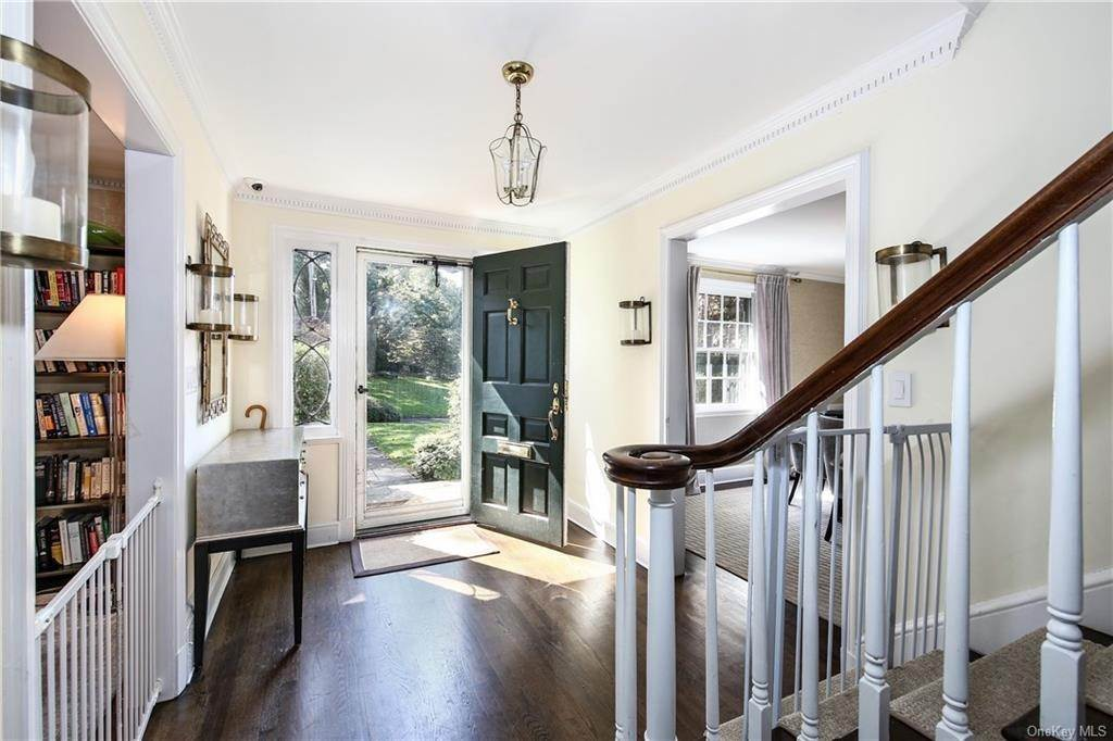 5. Single Family Home for Sale at 1 Hemlock Road Bronxville, New York, 10708 United States