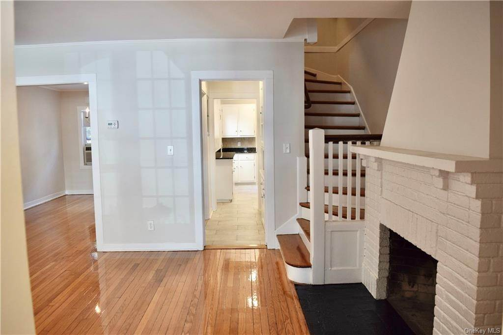 5. Rental Communities for Rent at 4 Prescott Square Bronxville, New York, 10708 United States