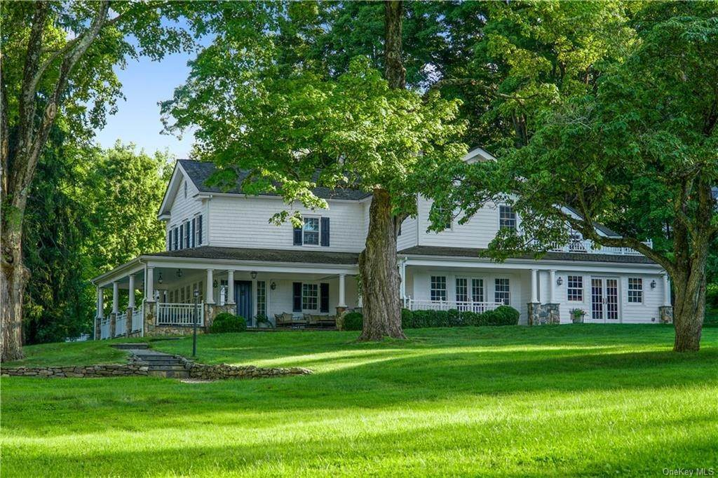5. Single Family Home for Sale at 245 Bedford Banksville Road Bedford, New York, 10506 United States