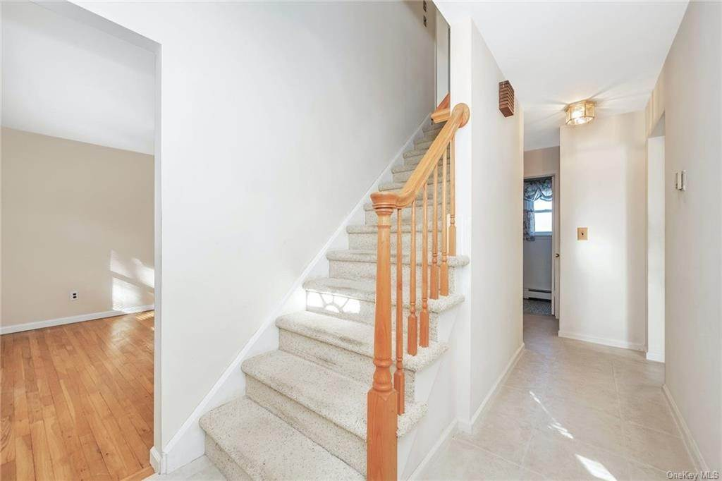 5. Single Family Home for Sale at 536 Commerce Street Hawthorne, New York, 10532 United States