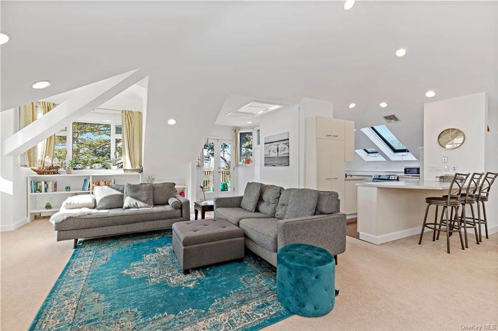 5. Single Family Home for Sale at 12 Clinton Avenue Dobbs Ferry, New York, 10522 United States