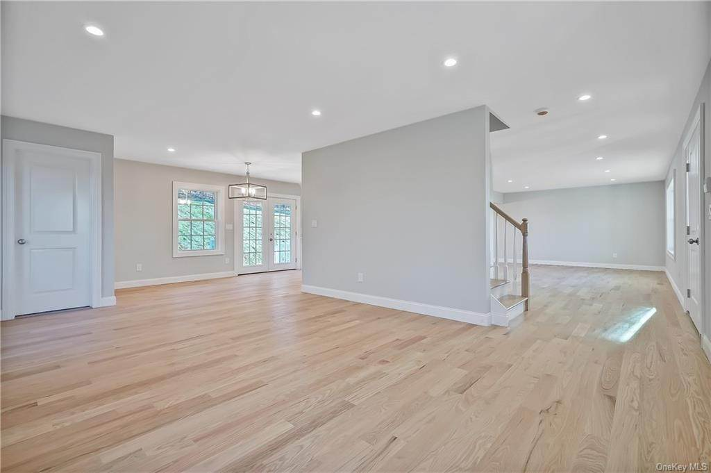 5. Single Family Home for Sale at 64 Hawkes Avenue Ossining, New York, 10562 United States