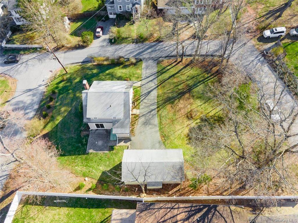 5. Single Family Home for Sale at 25 North Street Bedford Hills, New York, 10507 United States