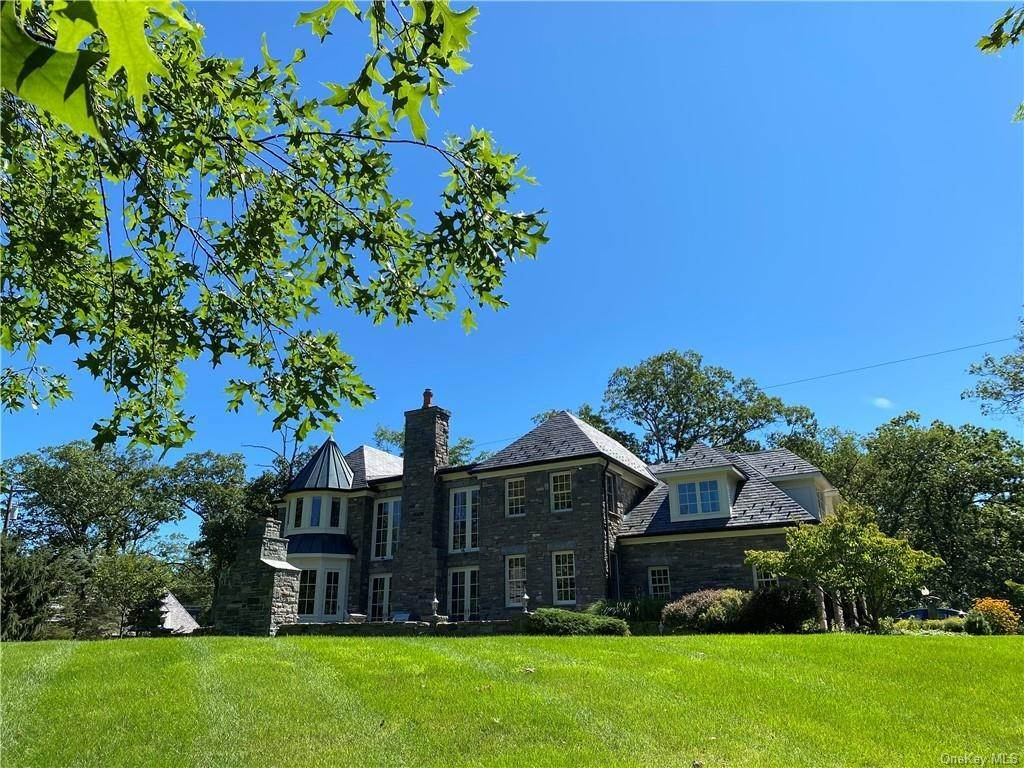 5. Single Family Home for Sale at 75 Summit Road Tuxedo Park, New York, 10987 United States