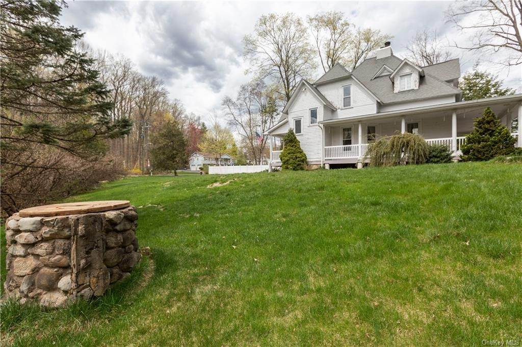 5. Single Family Home por un Venta en 64 Old Pascack Road Pearl River, Nueva York, 10965 Estados Unidos