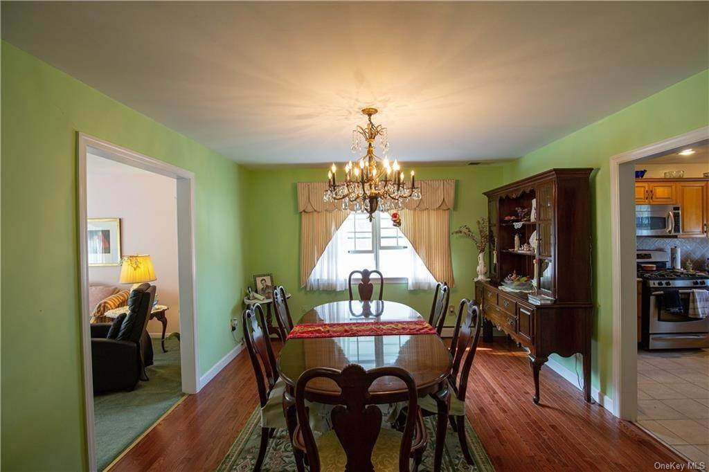5. Single Family Home for Sale at 173 Hudson Terrace Yonkers, New York, 10701 United States