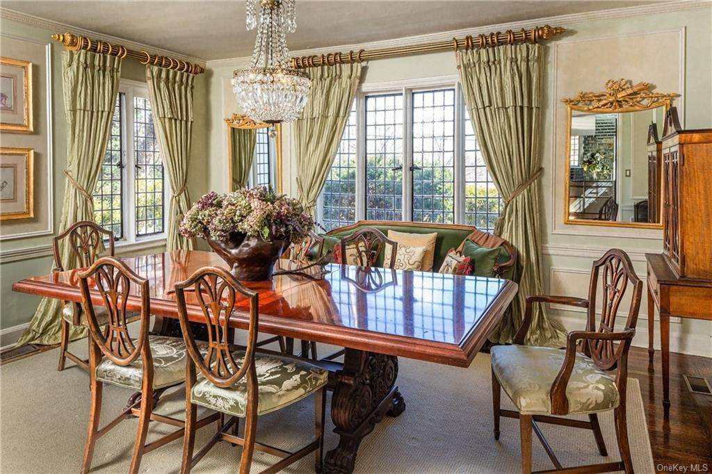 5. Single Family Home for Sale at 14 Courseview Road Bronxville, New York, 10708 United States