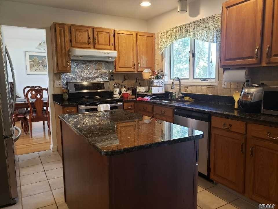 5. Single Family Home for Sale at 730 Brender Lane Yorktown Heights, New York, 10598 United States