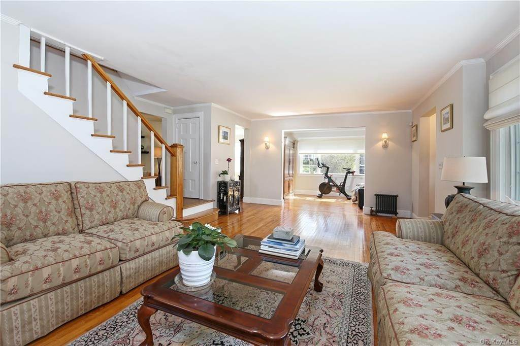 5. Single Family Home por un Venta en 31 Rugby Lane Scarsdale, Nueva York, 10583 Estados Unidos