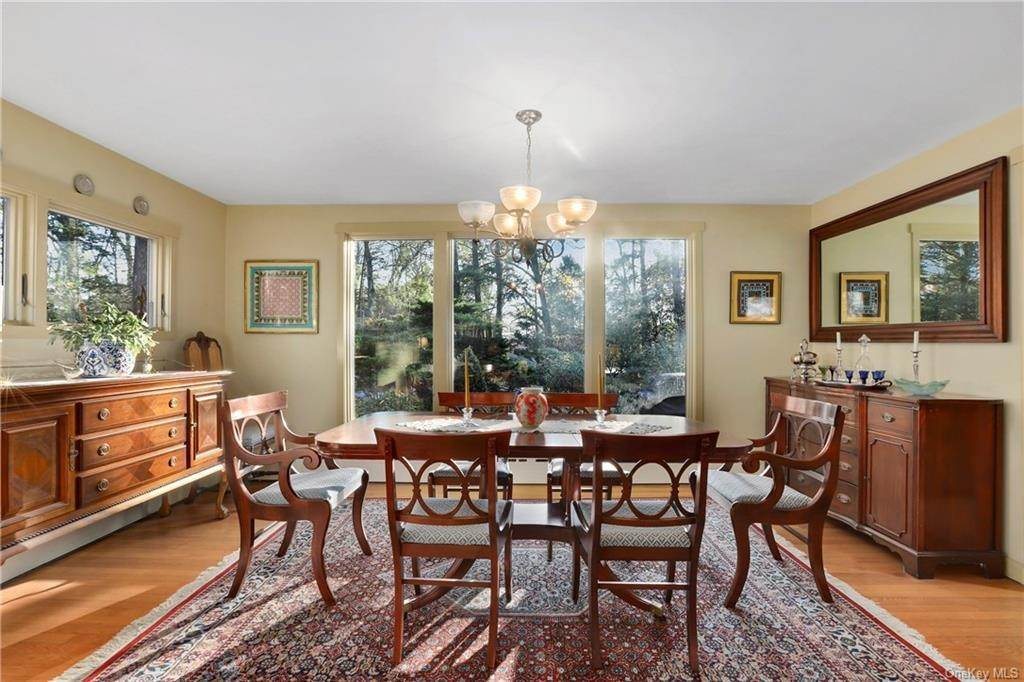 5. Single Family Home for Sale at 22 Bob Hill Road Pound Ridge, New York, 10576 United States