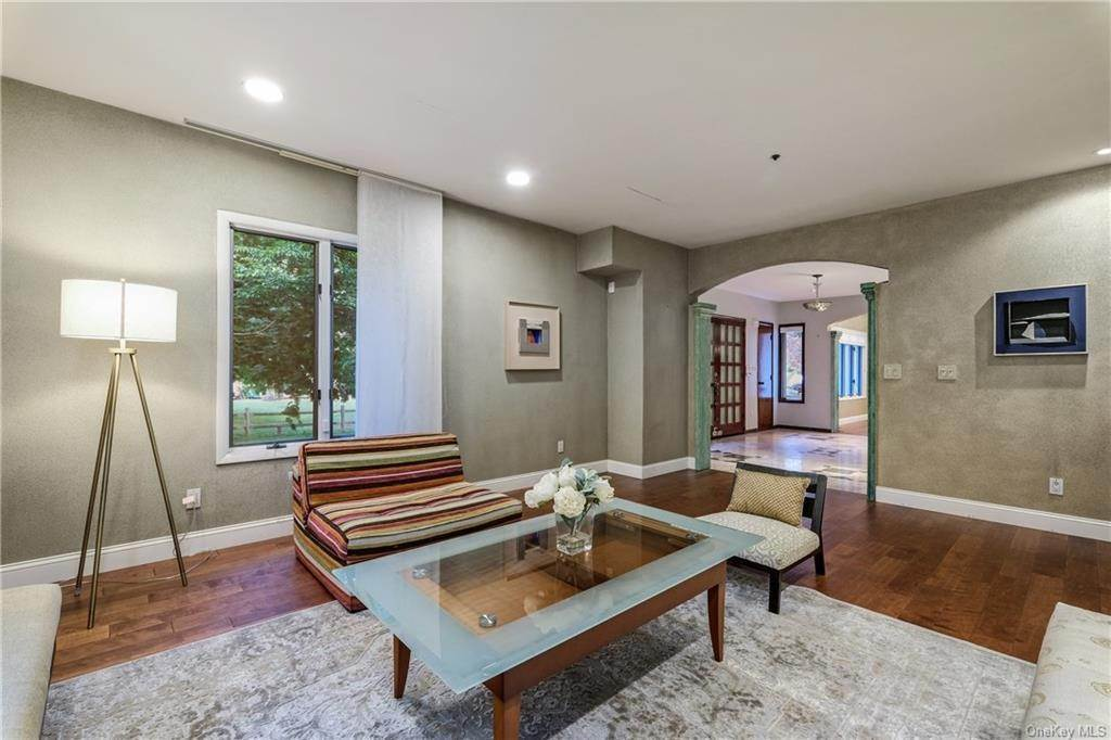 5. Rental Communities for Rent at 190 Fort Hill Road Scarsdale, New York, 10583 United States