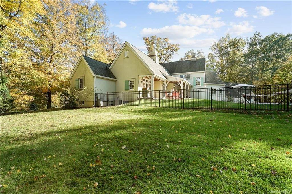 5. Single Family Home for Sale at 10 Greenwich Avenue Central Valley, New York, 10917 United States