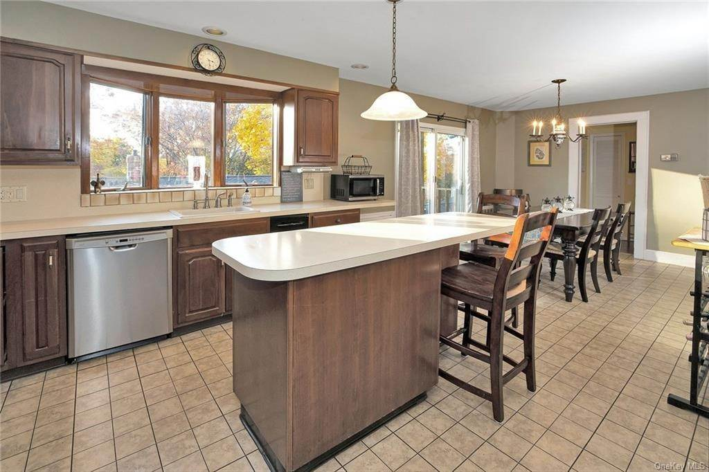 5. Single Family Home for Sale at 123 Van Tassel Avenue Sleepy Hollow, New York, 10591 United States