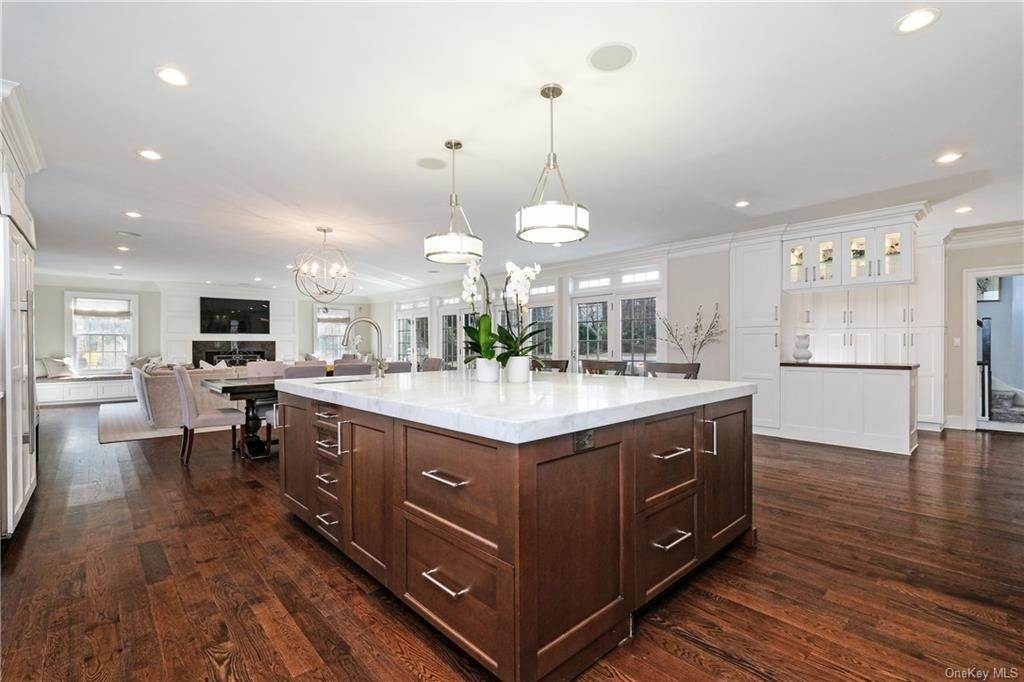 5. Rental Communities for Rent at 17A Heathcote Road Scarsdale, New York, 10583 United States