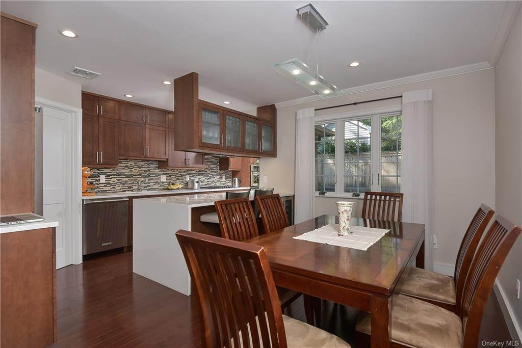 5. Rental Communities for Rent at 3 Willow Circle Bronxville, New York, 10708 United States