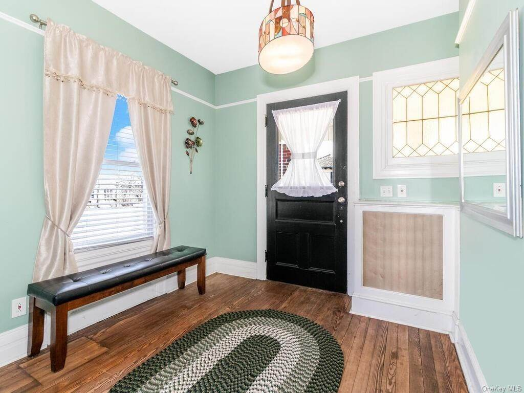 5. Single Family Home por un Venta en 13 Hanford Avenue New Rochelle, Nueva York, 10805 Estados Unidos