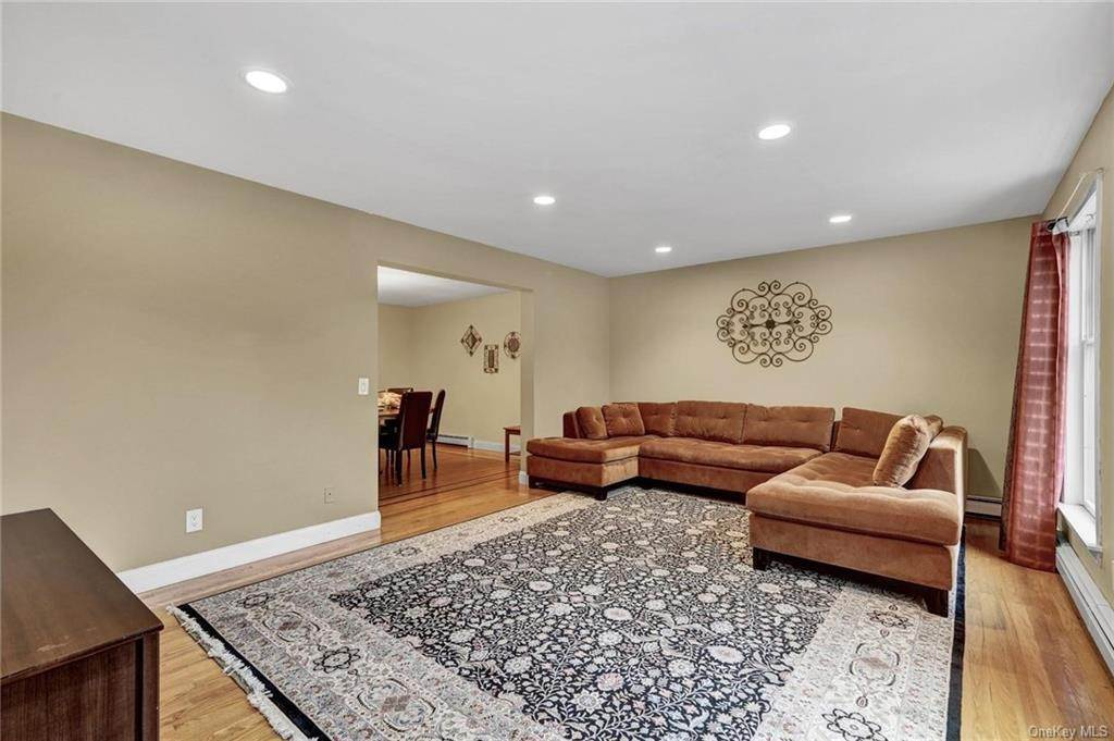 5. Single Family Home for Sale at 4 Old Road E Elmsford, New York, 10523 United States