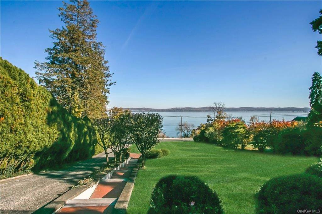 5. Single Family Home for Sale at 223 River Road Nyack, New York, 10960 United States