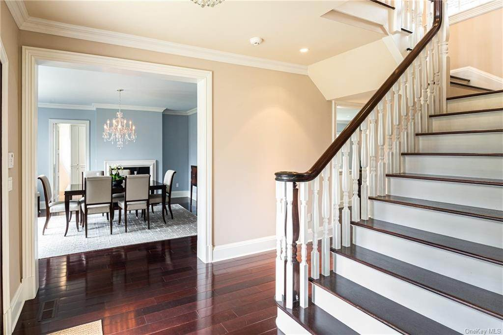 5. Single Family Home for Sale at 1 Woodland Avenue Bronxville, New York, 10708 United States