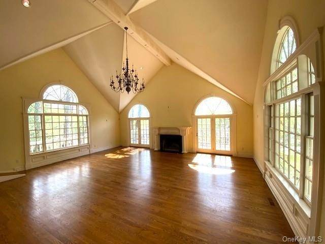 5. Single Family Home for Sale at 5 Lookout Stable Road Tuxedo Park, New York, 10987 United States