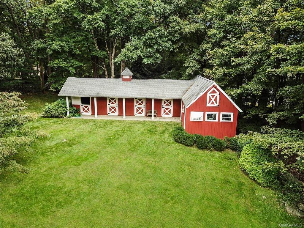 5. Single Family Home for Sale at 129 Fox Lane Bedford Corners, New York, 10549 United States