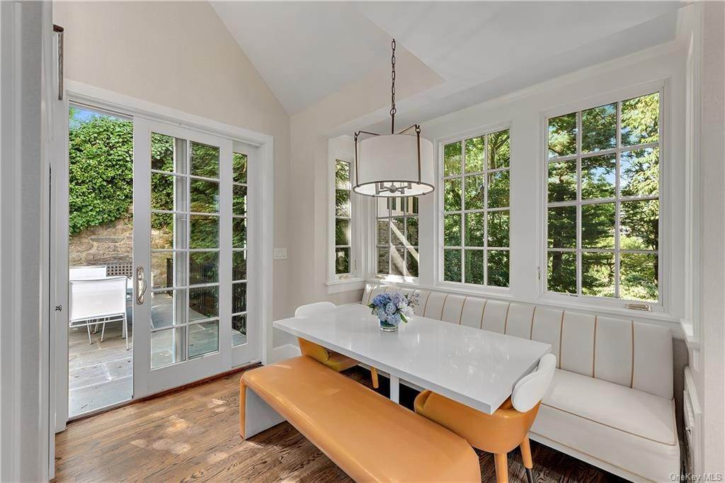 6. Single Family Home por un Venta en 25 Ridge Road Bronxville, Nueva York, 10708 Estados Unidos