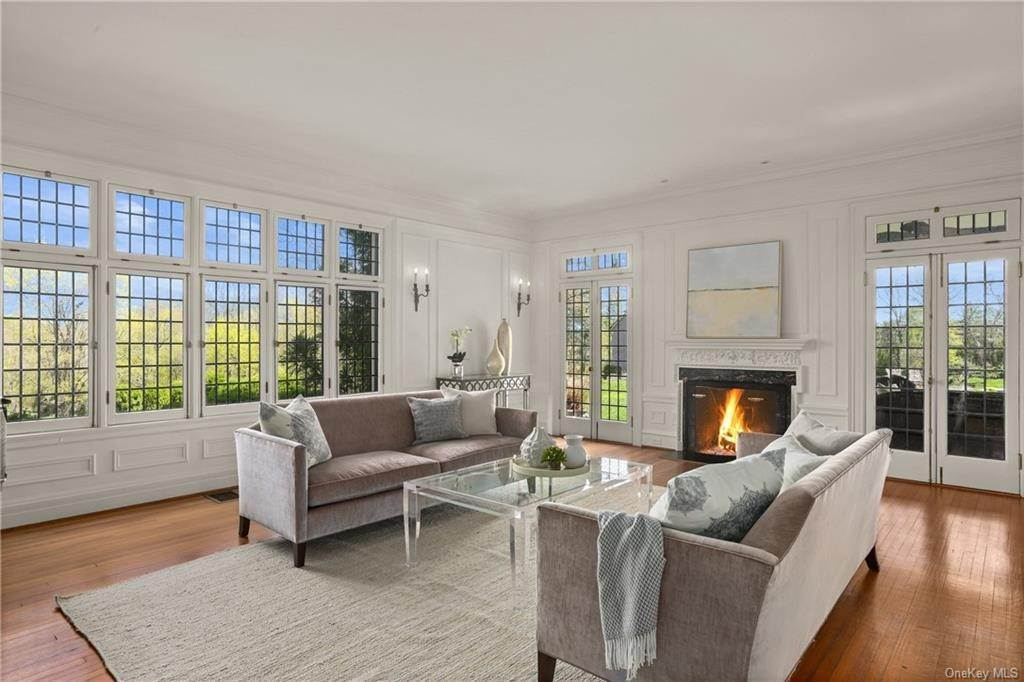6. Single Family Home for Sale at 10 Broad Brook Road Bedford Hills, New York, 10507 United States