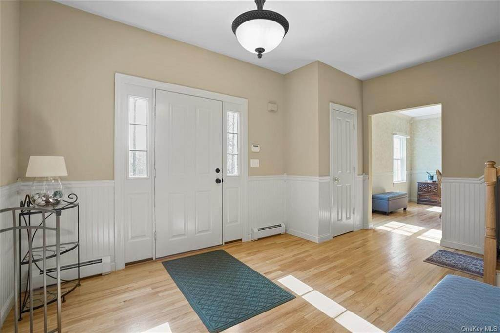 6. Single Family Home for Sale at 19 Coleman Drive Campbell Hall, New York, 10916 United States