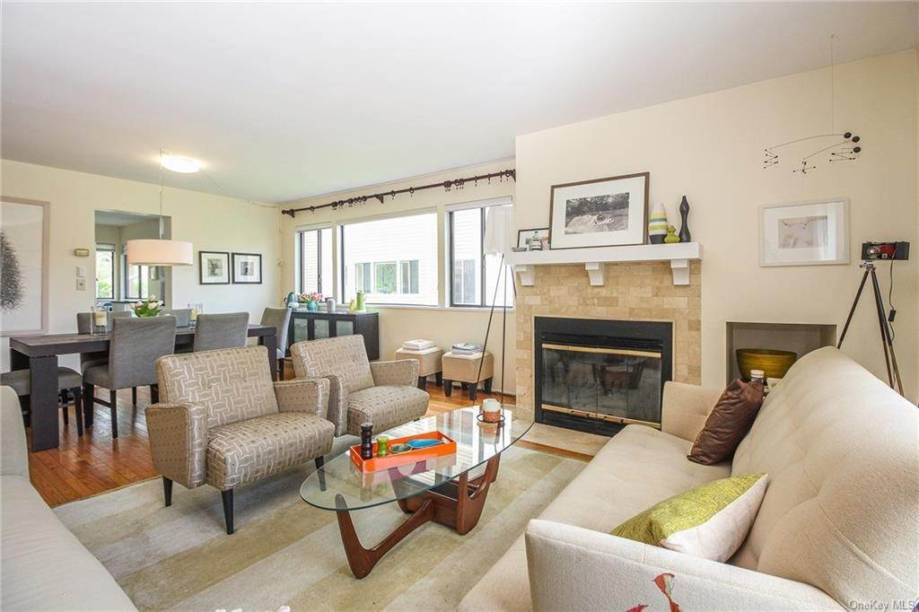 6. Rental Communities for Rent at 58 Pond View Lane Chappaqua, New York, 10514 United States
