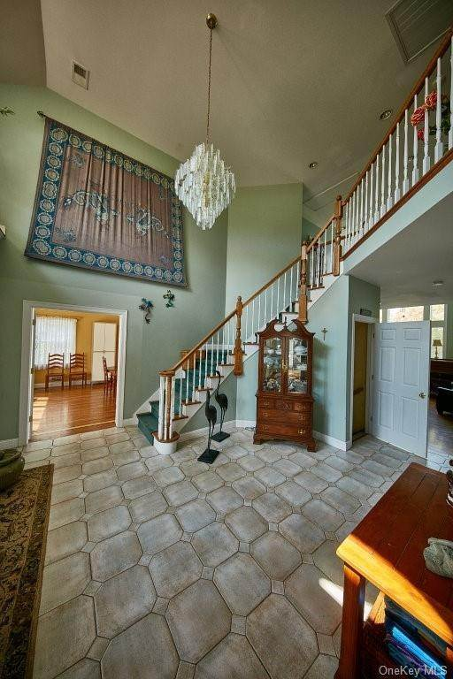 6. Single Family Home for Sale at 80 Waterview Terrace New Windsor, New York, 12553 United States