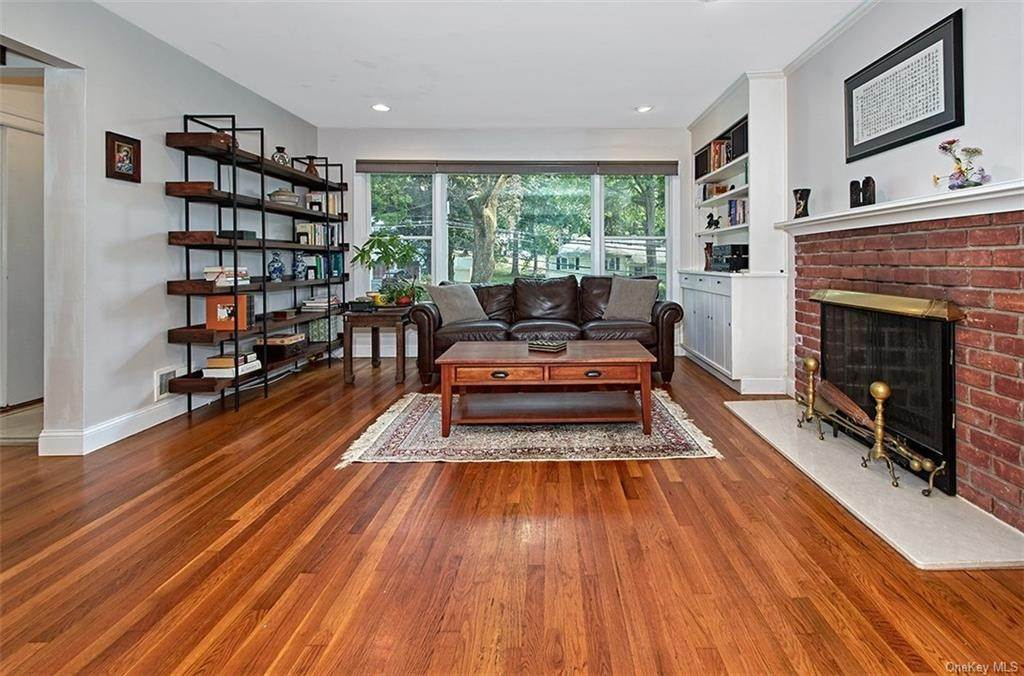 6. Single Family Home for Sale at 2 Pine Ridge Road Rye Brook, New York, 10573 United States