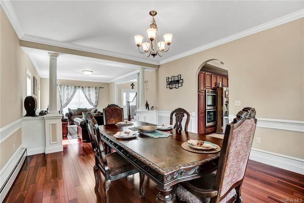 6. Single Family Home for Sale at 11 Sherwood Court Highland Mills, New York, 10930 United States