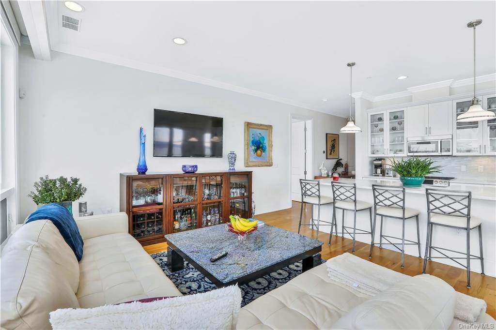 6. Single Family Home for Sale at 11 River Street Sleepy Hollow, New York, 10591 United States