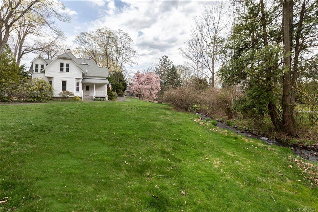 6. Single Family Home por un Venta en 64 Old Pascack Road Pearl River, Nueva York, 10965 Estados Unidos
