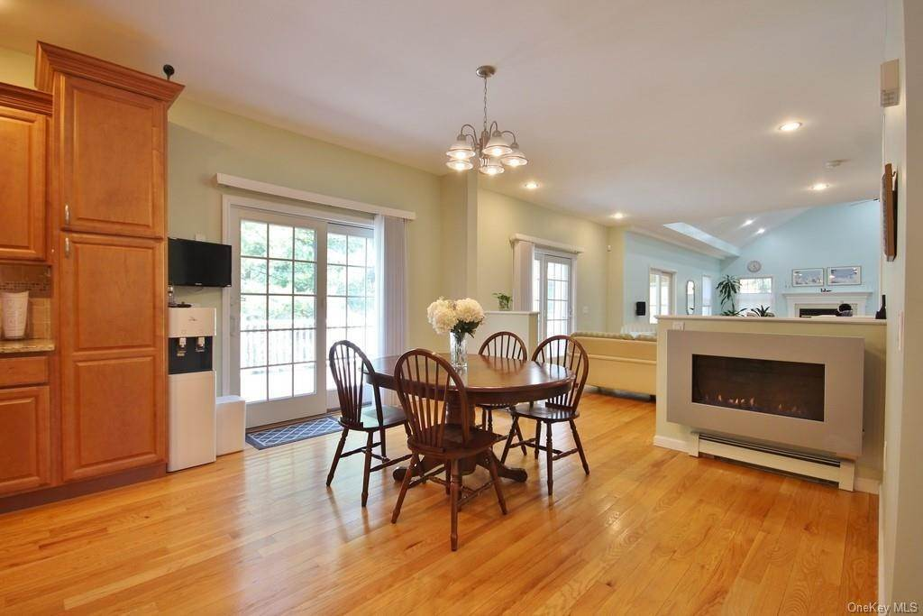 6. Single Family Home для того Продажа на 1774 Pleasantville Road Briarcliff Manor, Нью-Йорк, 10510 Соединенные Штаты