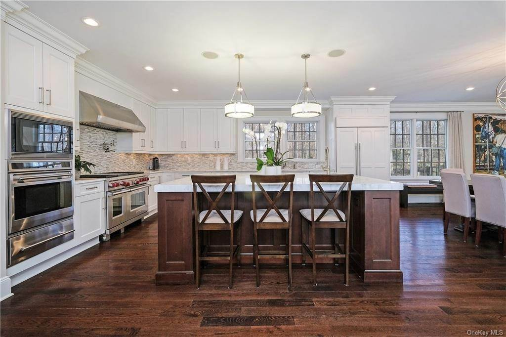 6. Rental Communities for Rent at 17A Heathcote Road Scarsdale, New York, 10583 United States