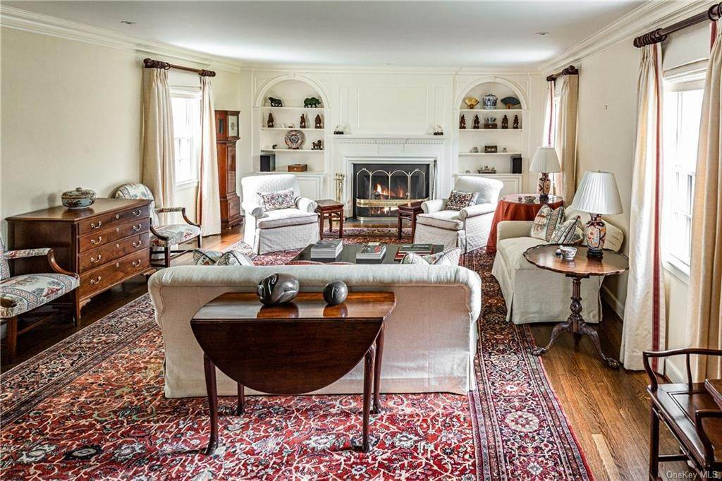 6. Rental Communities for Rent at 25 Moore Road Bronxville, New York, 10708 United States
