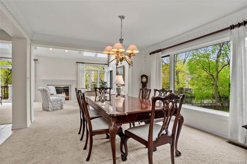 6. Single Family Home for Sale at 5 Stone Falls Court Rye Brook, New York, 10573 United States